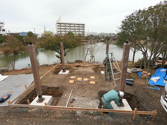 勝盛公園 四阿(あずまや) 建て込み作業